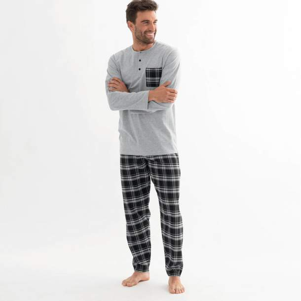 Pyjama - Echec et mat