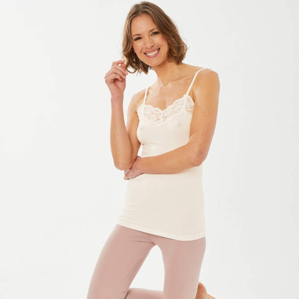 Caraco ivoire ou beige rose - Les poudrés